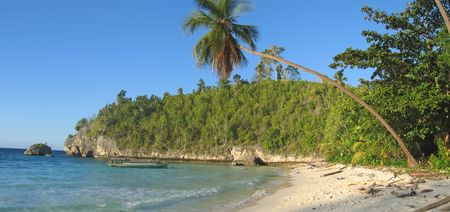 Tropical beach - Togians island - Sulawesi - Indonesia - Panorama. photo
