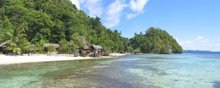 steely: Beach of pulau Kadidiri - Togians island - Sulawesi - Indonesia - Panorama. Stock Photo
