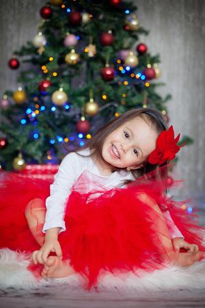 christmas baby: Little girl with christmas hat