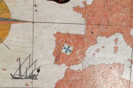 Carte de pierre de l'Europe à belem lisboa Banque d'images - 50164586