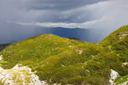 Sommeransicht des Skigebiets Vogel in den Julischen Alpen, Slowenien