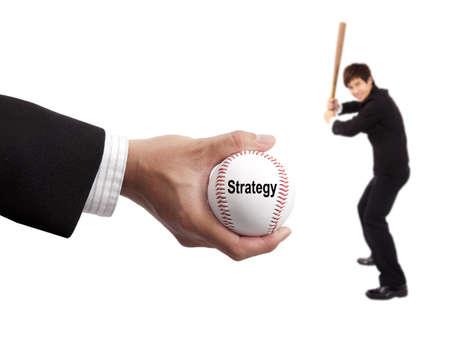 Striker: Koncepcja strategii biznesowych. Hand of biznesmen gospodarstwa baseballu i napastnik