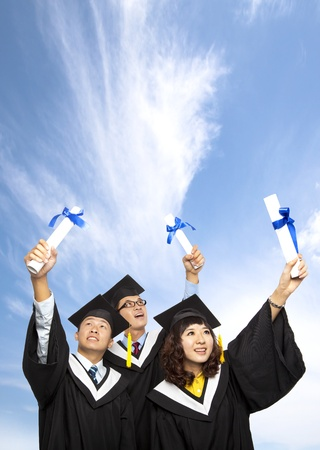 absolwent: Wszystkiego najlepszego z okazji grupa studentów Kresy gospodarstwa ich dyplom Zdjęcie Seryjne