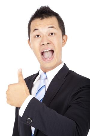 pulgar levantado: Hombre de negocios feliz asi�tico con el pulgar hacia arriba aislados en blanco