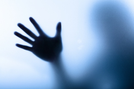shadows: La imagen difusa de una mano