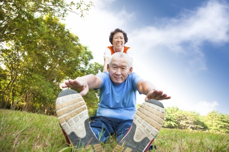 healthy seniors: happy asian Senior couple