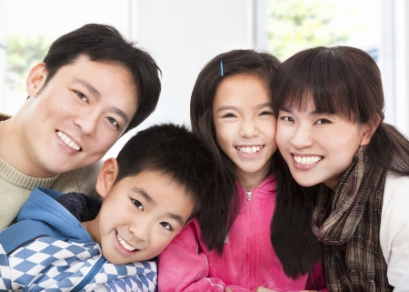 happy asian family  版權商用圖片