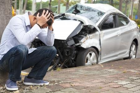 catastrophe: Conducteur en col�re apr�s l'accident de la circulation