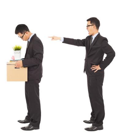 anunciar: jefe anunciar despedir al empleado de la empresa