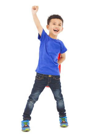 zuversichtlich Kind machen einen fliegenden Pose