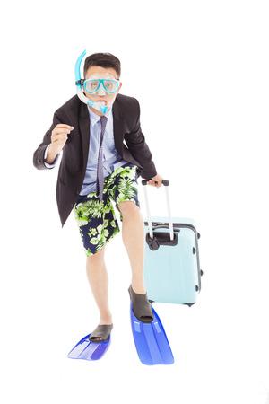 amusant zakenman loopt pose en het dragen van bagage Stockfoto