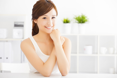 estilo de vida: bela mulher asiática nova
