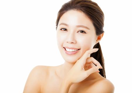 žena: detailní krásná mladá žena tvář izolovaných na bílém Reklamní fotografie