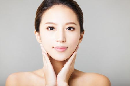 visage: jeune agrandi beau visage de femme Banque d'images