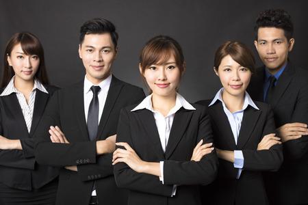 gente exitosa: joven empresaria con negocio exitoso equipo