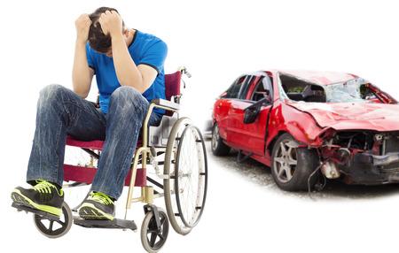 personas discapacitadas: el estrés y el paciente para discapacitados con el concepto de accidente de coche Foto de archivo