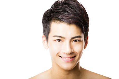 매력적인 젊은 남자의 얼굴의 근접 촬영 초상화 스톡 콘텐츠