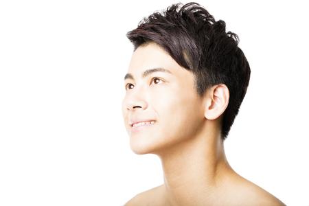 man face: Close-up portret van aantrekkelijke jonge man gezicht