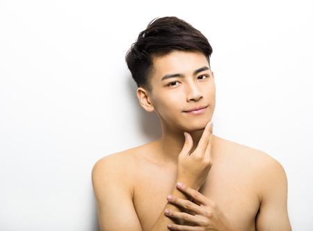 uomini belli: Primo piano ritratto di giovane uomo faccia