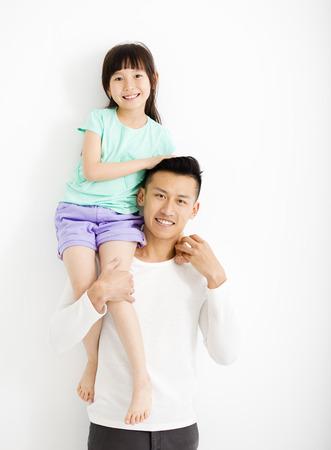 padre e hija: Padre feliz e hija que se divierten junto Foto de archivo