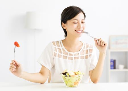 gyönyörű, fiatal, nő, étkezési, egészséges étel Stock fotó