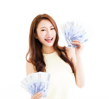 행복 한 젊은 여자 돈을 게재