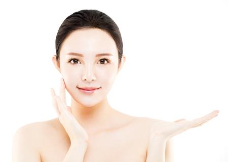 Closeup junge asiatische Schönheit Gesicht mit zeigen Geste Standard-Bild - 79962844
