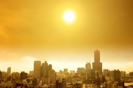市では、夏は猛暑