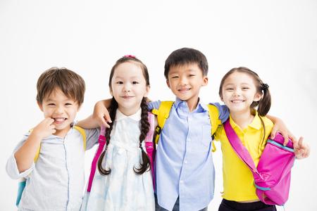 포옹하는 행복 한 미소 그룹