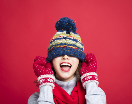 Happy Young Beautiful Woman in winter clothes Banque d'images