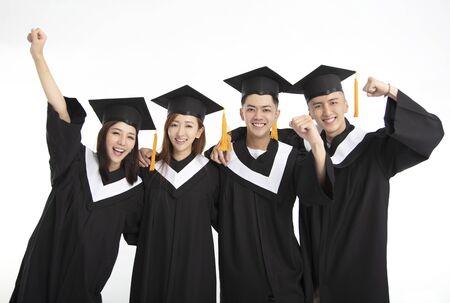 Gruppo di studenti laureandi in piedi insieme