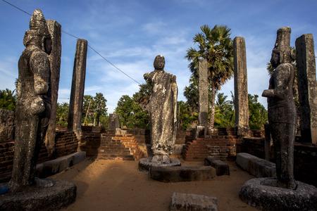 buddha sri lanka: Remains of the Image House at Mudu Maha Vihara depicting Buddha facing King Kavantissa and Queen Vaharamahabevi. The ruins of this temple are located adjacent to Pottuvil beach on the east coast of Sri Lanka.