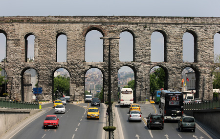 cisterna: The Aqueduct of Valens which were most likely constructed by Emperor Valens between 364 - 78 AD. It was built to carry water to the Basilica Cistern and the Great Byzantine Palace in Sultanahmet in Istanbul, Turkey.