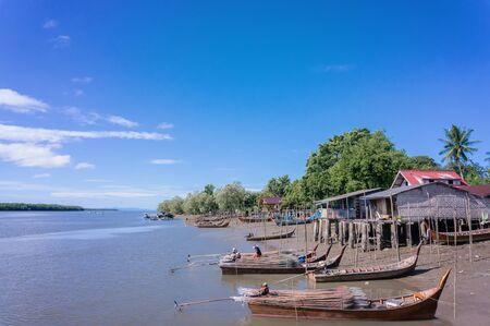 pattani thailand: La comunidad pesquera local en Tailandia