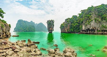 phangnga: Panorama Khao Phing Kan and Koh Tapu islands known as James Bond Island. Phangnga Bay, Thailand Stock Photo