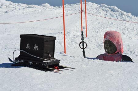 jizo: Jizo statues buried under the snow