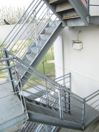 escape: fire escape ladder