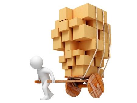 marioneta de madera: A rodar la cesta de madera con cajas de cart�n. Aislados. Foto de archivo