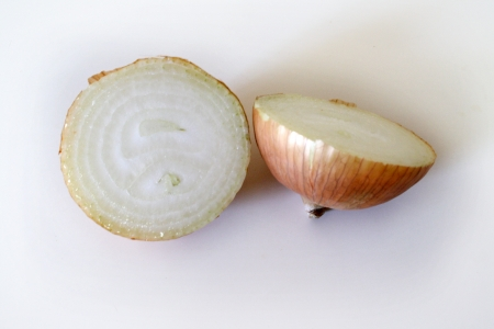 An onion divide in two halves