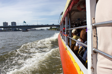 phraya: the Tourism and travel in Bangkok by the Chao Phraya Express Boat Foto de archivo