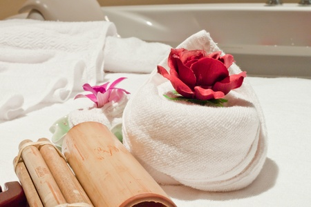 flowers and towels - body care photo