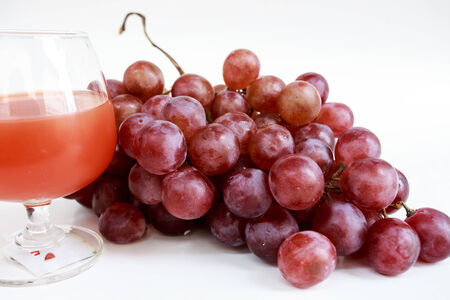 factions: Fresh red grapes with grape juice