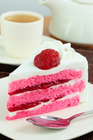 Strawberry milk cake  Stock Photo - 14343553