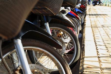 destin: Motorbike Parking