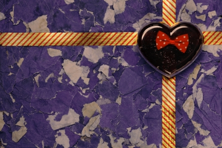 Heart gift box on the background paper. Stock Photo - 18310327