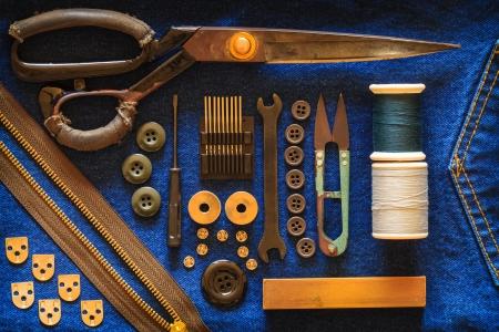 notions: El kit de costureras antiguas Foto de archivo