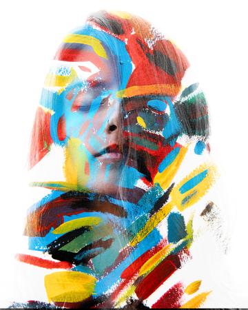 La fotografía de retrato se mezcla con las ilustraciones originales