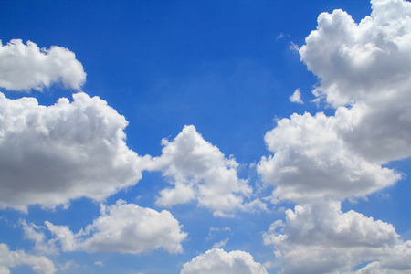 distinctness: Beautiful white clouds&Bright blue sky