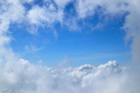 distinctness: Beautiful white clouds&Bright blue sky