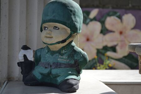 earthenware: Toy soldiers